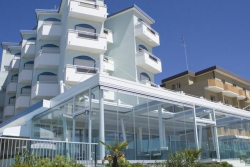 NIAGARA HOTEL & RESIDENCE