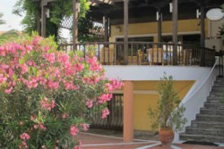 IOLI VILLAGE HOTEL APARTMENTS
