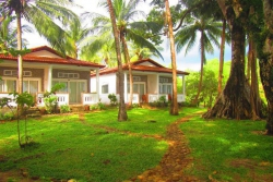 BAMBOO COTTAGES & RESTAURANT