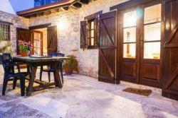 PANTELIS TRADITIONAL HOUSE